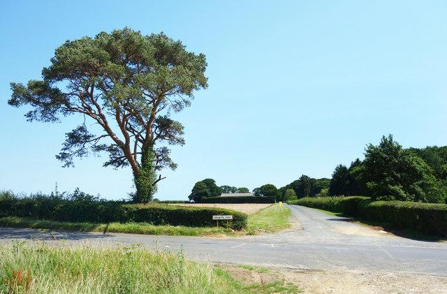 Entrance to Ringwood Farm