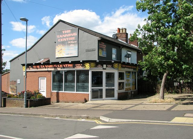 74 Magdalen Road - The Tanning Centre