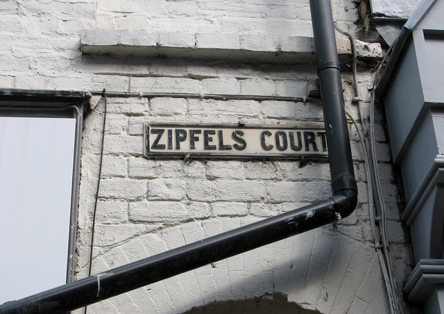 Zipfels Court (name sign)