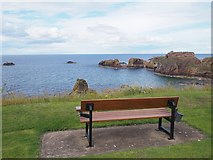 NT6779 : A Seat with a View at the Glebe Dunbar by Jennifer Petrie