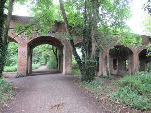 Old railway path, South Cerney