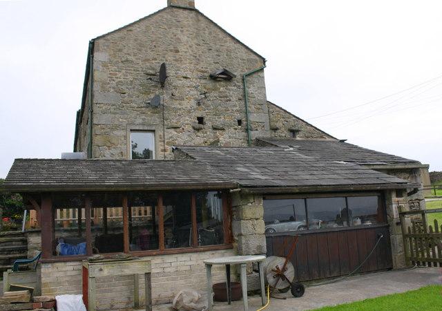 Huggon House