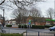 SU6400 : Roundabout, Holbrook Rd by N Chadwick
