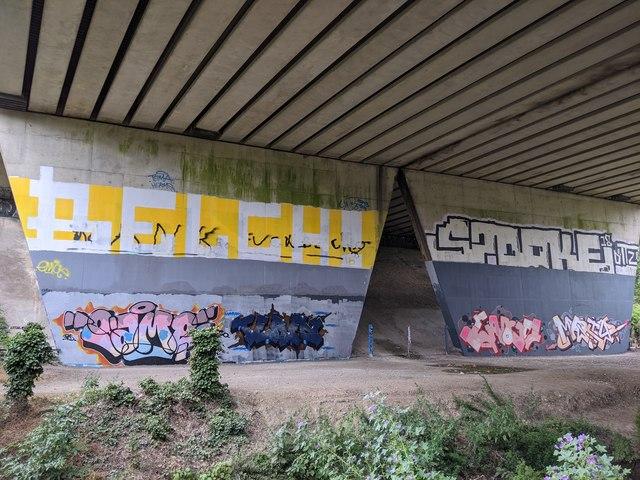 M25 bridge over River Darent