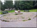 SE2729 : Churwell Park - sculpture by Stephen Craven