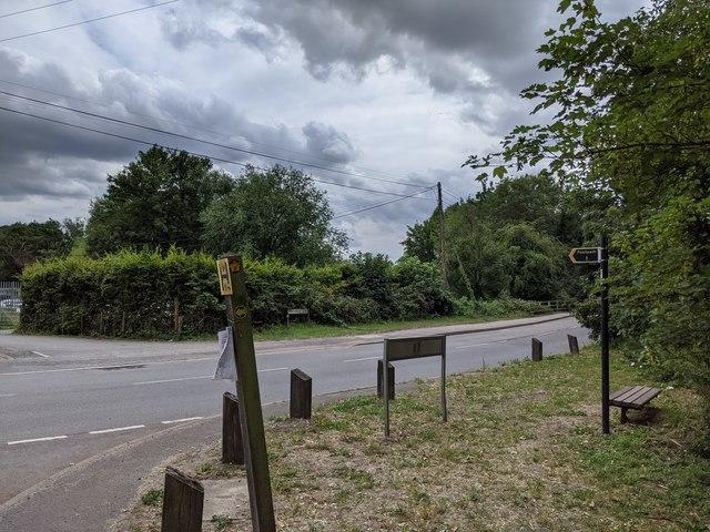 Parsonage Lane viewed from Darenth Road junction