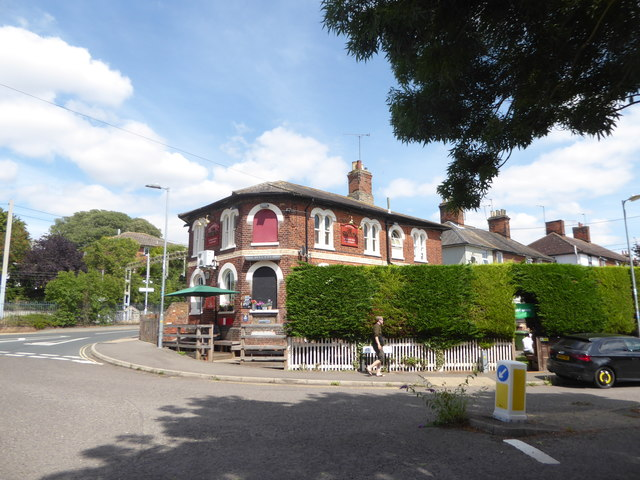 Pub between Station Road and West Street