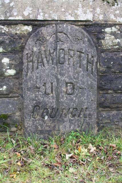 Parish boundary stone set into the south parapet of Sladen Bridge
