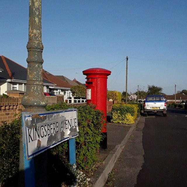 Ensbury Park: Kingsbere Avenue