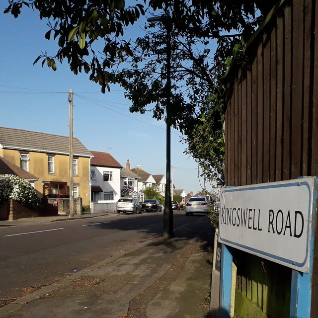 Ensbury Park: Kingswell Road