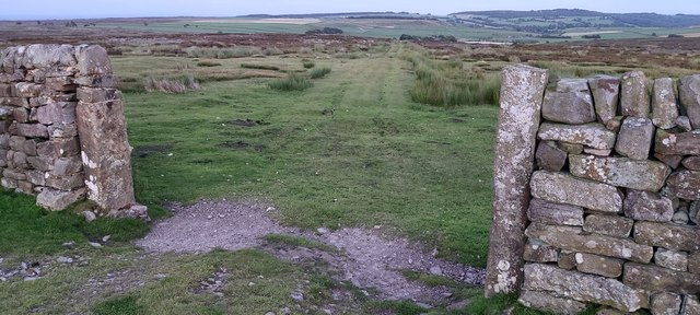 Gateway leading to Nor Raikes