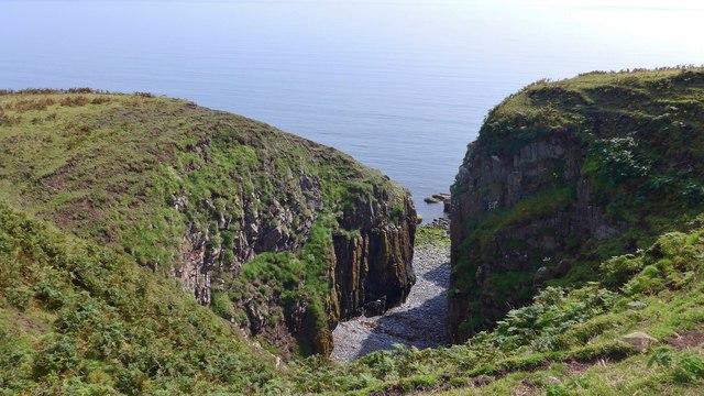 Slouchalkin - a geo near Mull of Galloway farm