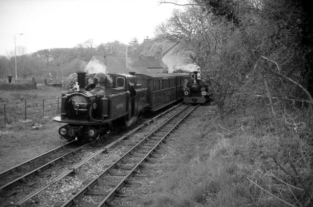 Double departure from Minffordd Station