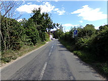 TG1022 : Norwich Road, Booton by Geographer