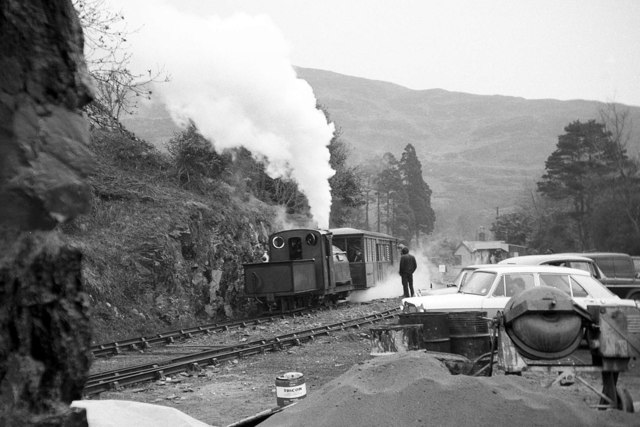 'Prince' waiting departure at Tan y Bwlch