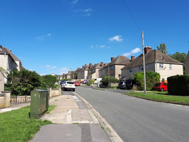 Moor Avenue, Witney