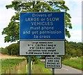 NO3210 : Level Crossing near Jennystown by Bill Kasman