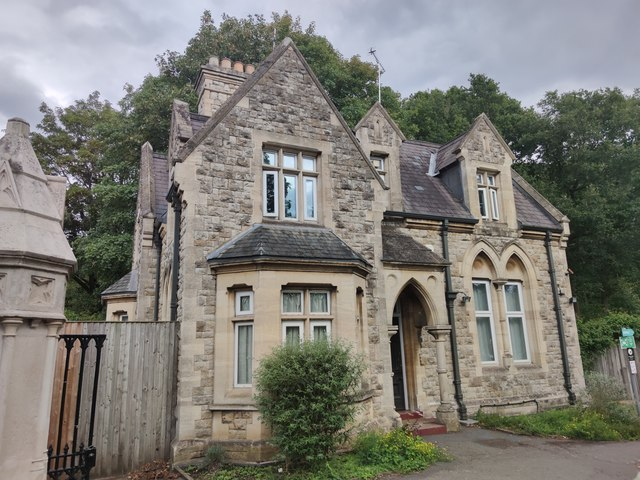 Old Vicars House at Putney Vale Cemetery entrance