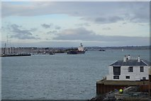 SZ6299 : Looking into Portsmouth Harbour by N Chadwick
