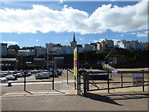 SN1300 : Tenby harbour and town on August Bank Holiday weekend by Jeremy Bolwell