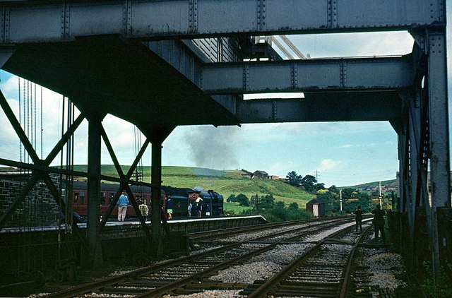 The Fifteen Guinea Special passing Entwistle