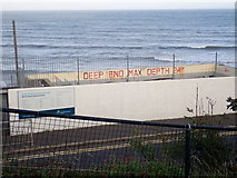 J3730 : Rock Pool Outdoor Baths, Newcastle by Eric Jones