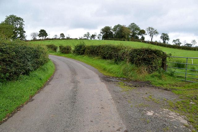 A bend along Roeglen Road