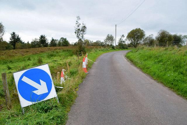 Diversion sign along Tullyneil Road