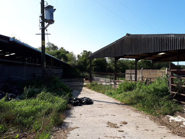 Public bridleway through Highfield Farm