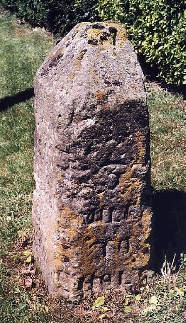 Old Milestone (south face) by the B1149, Norwich Road, Edgefield