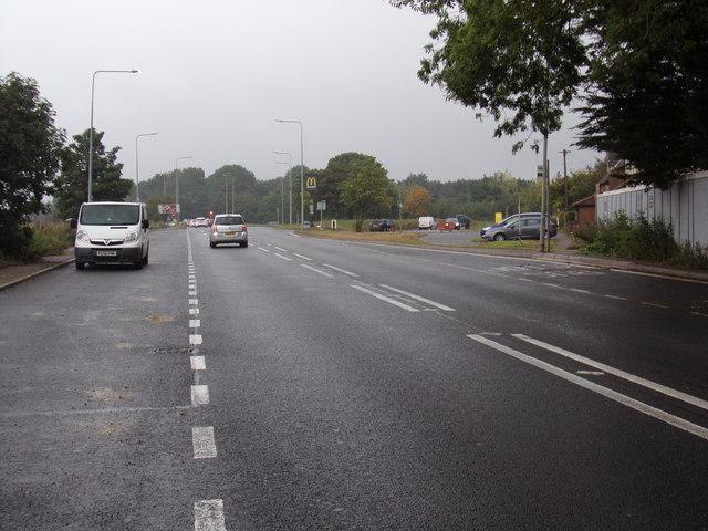 B1393 London Road, Hastingwood
