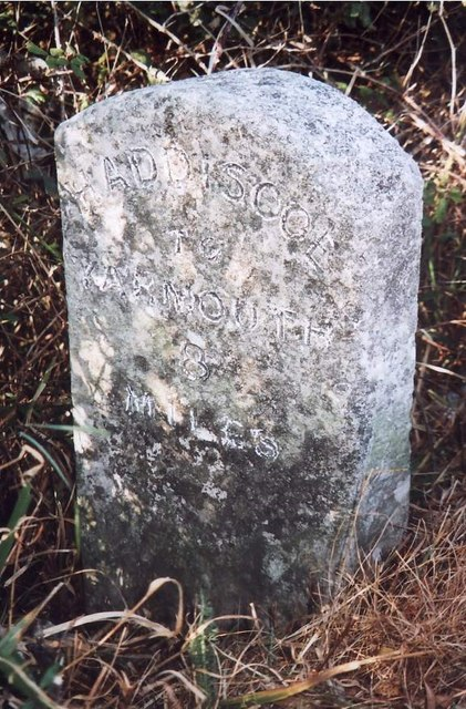 Old Milestone (south face) by the A143, Haddiscoe Dam