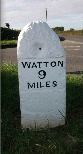 Old Milestone (east face) by the B1108, Hingham Road, near Hackford
