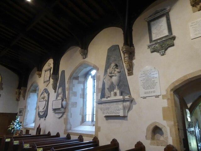 Inside Holy Cross, Ramsbury (c)