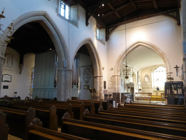 Inside Holy Cross, Ramsbury (e)