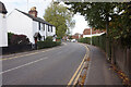 SU6376 : A329 Shooters Hill, Pangbourne by Ian S