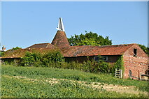 TQ6245 : Crockenhurst Oast by N Chadwick
