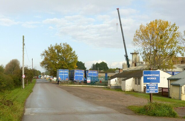 Barnstone Works, Private Road