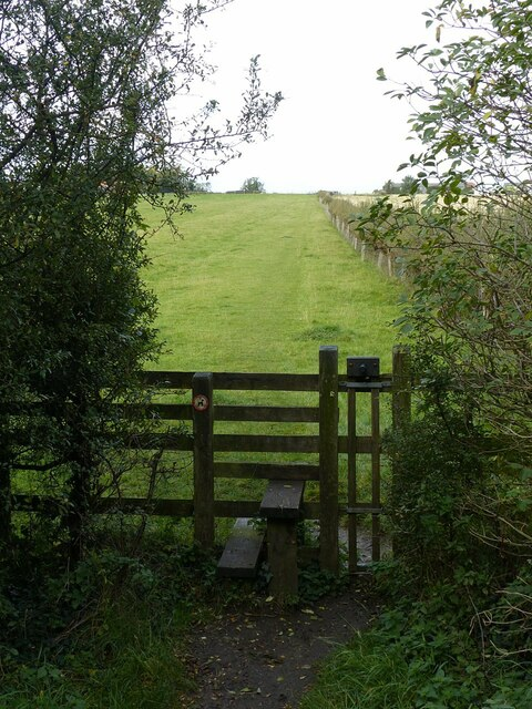 Footpath towards Barnstone