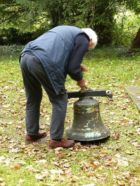 Dismantling a bell, Barnstone