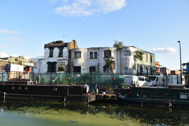 Dereliction by the Regent's Canal