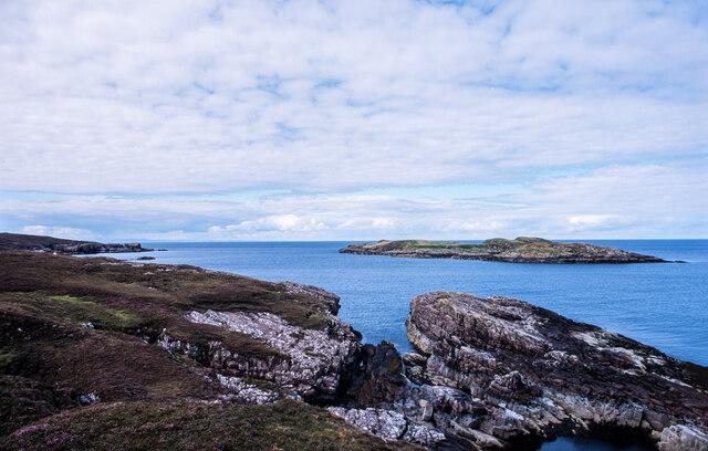 Minor inlet between rocks at Caolas an Fhuraidh