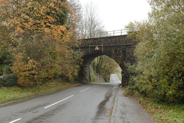 Railway bridge on the B6001 leaving Hathersage
