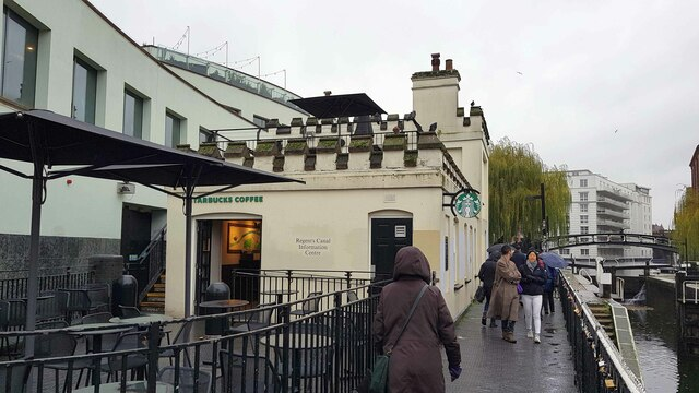 Regent's Canal: Former Hampstead Locks lock keeper's cottage (1)
