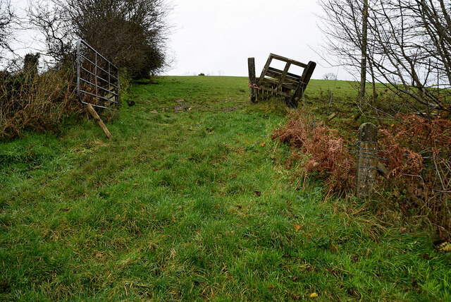 A steep entrance to a field, Bomackatall Upper
