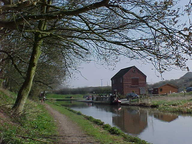 The Coventry Canal near Springwood Haven
