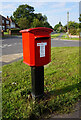 TA2106 : Postbox on Caistor Road, Laceby by Ian S