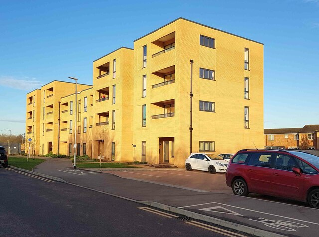 Watford: Pearl Court, Epsom Road