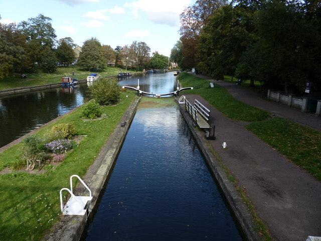 Lock viewed from footbridge, River Cam, Cambridge