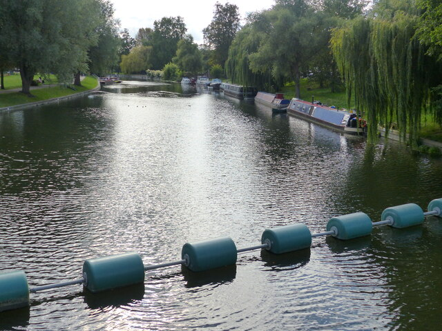 Safety barrage upstream of the weir, River Cam, Cambridge